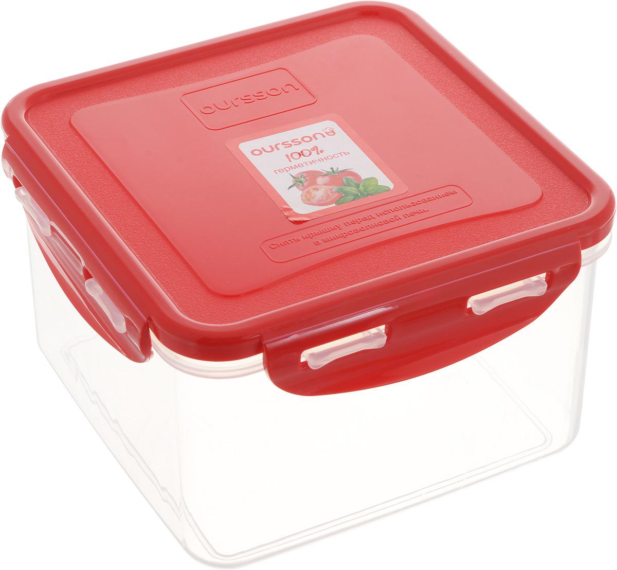 Контейнер пищевой Oursson, квадратный, цвет: красный, 1,25 лCP1303S/RDПрочный и удобный контейнер Oursson изготовлен из высококачественного полипропилена и предназначен для хранения любых пищевых продуктов. Благодаря особым технологиям изготовления, лотки в течение времени службы не меняют цвет и не пропитываются запахами. Крышка с силиконовой вставкой герметично защелкивается специальным механизмом. Контейнер удобен для ежедневного использования в быту. Можно мыть в посудомоечной машине и использовать в микроволновой печи. Размер контейнера (с учетом крышки): 14,5 х 14,5 х 9 см.