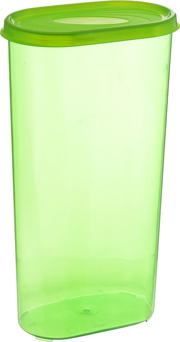 Банка для сыпучих продуктов Giaretti, цвет: зеленый, 2,4 лVT-1520(SR)Банка для сыпучих продуктов Giaretti выполнена из высококачественного пластика. Банка предназначена для хранения круп, сахара, макаронных изделий и в том числе для продуктов с ярким ароматом (специи и прочее). Плотно прилегающая крышка не пропускает запахи содержимого в шкаф для хранения, при этом продукт не теряет своего аромата. Банки легко устанавливаются одна на другую. Можно мыть в посудомоечной машине. Объем: 2,4 л. Размер (по верхнему краю): 14,5 x 8,5 см.Высота (с учетом крышки): 28 см.