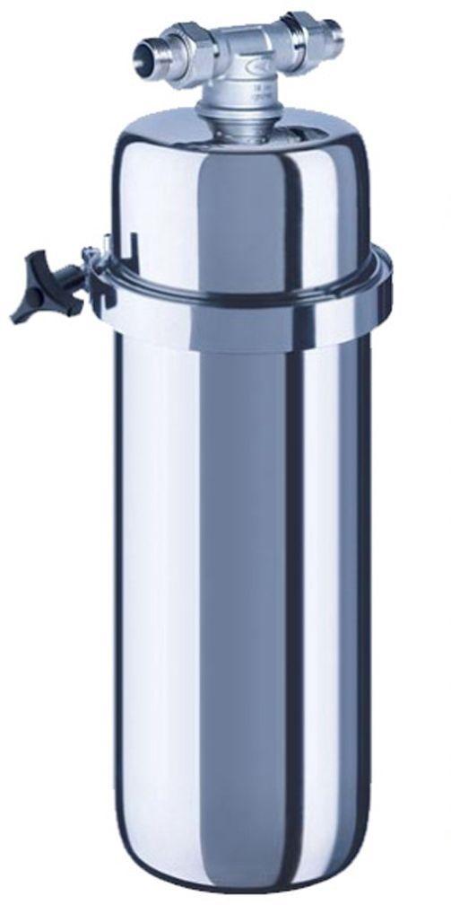 Корпус водоочистителя Аквафор ВИКИНГВИКИНГФильтр для воды Аквафор Викинг корпус Вы можете адаптировать фильтр для очистки холодной, горячей или питьевой воды Единственный магистральный фильтр, очищающий всю воду в квартире не только от ржавчины, песка и других нерастворимых примесей, но и от активного хлора, органических веществ, тяжелых металлов, и неприятного запаха. Корпус и кронштейн выполнены из нержавеющей стали и обеспечивают легкую установку фильтра и замену фильтрующего модуля. С корпусом могут использоваться сменные модули: B520-13 – сменный модуль для холодной воды B520-14 – сменный модуль для горячей воды B150-Plus – cменный модуль для доочистки питьевой воды