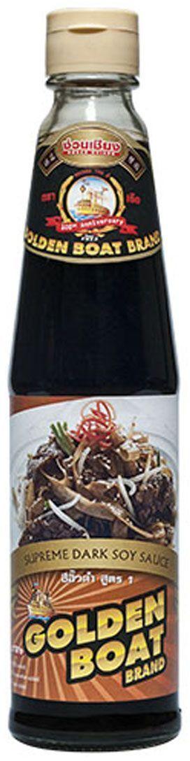 Golden Boat Темный соевый соус Премиум, 300 мл0120710Этот премиальный соевый соус отличается сбалансированным вкусом и идеально подходит для приготовления суши, маринования, обжарки. Также подается отдельно. По составу этот уникальный тайский соус очень близок бренду Kikoman (в состав входят только соевый экстракт, вода и соль), отличается правильным процессом производства (соус выдерживается в бочках по два года, как и положено по технологии брожения), отличаясь при этот выгодной и доступной ценой. Если вы ищите качественный и натуральный соевый соус по доступной цене - соевый соус Golden Boat отлично подойдет вам по всем параметрам.