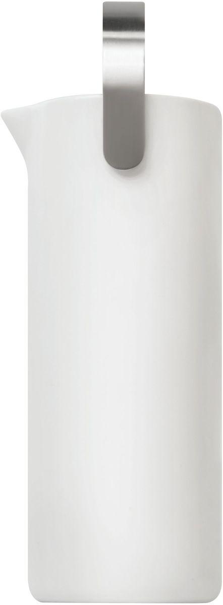 Кувшин для воды Umbra SAVORE. 461061-670461061-670Шикарный керамический кувшин из коллекции Savore – эксклюзивной серии высококачественных товаров для кухни. Оснащен удобной никелированной ручкой. Вмещает до 1.1 литра жидкости. Design: Eugenie De Loynes