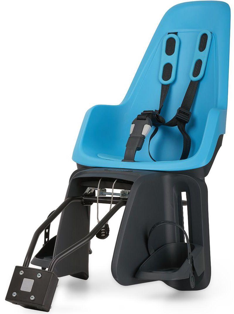 Велокресло заднее Bobike One Maxi 1P, крепление на раму и багажник велосипеда, цвет: голубой8012200005BOBIKE ONE Maxi 1P любит город, так же как Вы и Ваше чадо. С лёгкостью пробираясь через городской трафик, Вы не пугаетесь неожиданных поворотов судьбы и препятствий. Стильный и свежий дизайн, удостоенный награды Голландского Общества Потребителей, отлично сочетается со всеми трендами велосипедной моды. Уникальная двухслойная конструкция кресла и красный задний светоотражатель обеспечивают непревзойдённый уровень безопасности ребёнка. BOBIKE ONE Maxi 1P оборудовано мягкими нескользящими наплечными ремнями с надёжной застёжкой для удержания ребёнка в правильной позиции. Кресло оснащено водоотталкивающей гасящей вибрации подкладкой. Система крепления Click & Go позволяет быстро и без инструментов установить и снять велокресло, а также переставить его между разными велосипедами. Для кратковременной стоянки у магазина или подъезда в комплектацию включён небольшой кодовый замок. BOBIKE ONE Maxi 1P устанавливается на подседельную трубу рамы диаметром от 28 до 40 мм или на багажник шириной от...