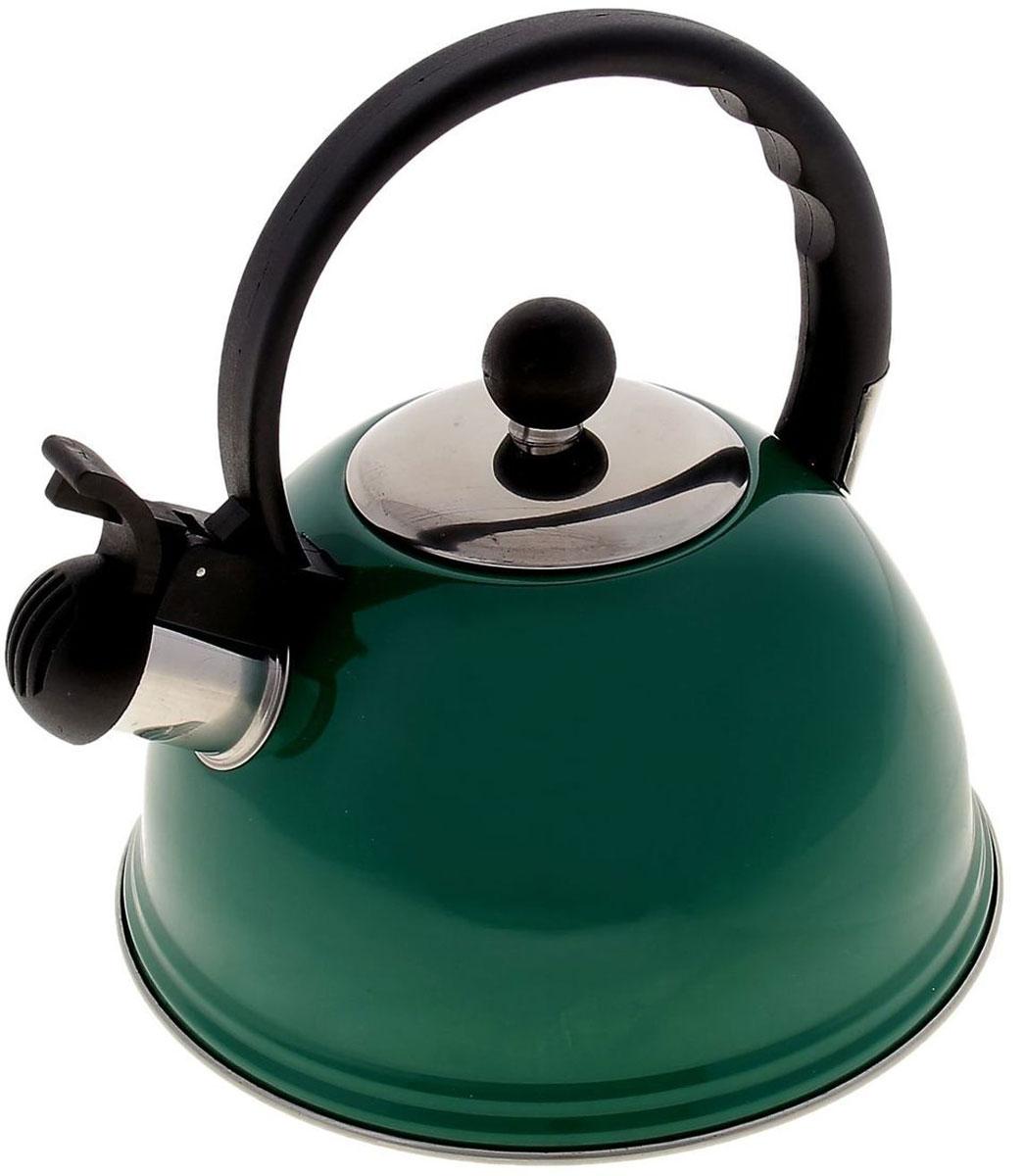 Чайник Доляна Элит, со свистком, цвет: зеленый, 2 л851950Бытовая посуда из нержавеющей стали славится неприхотливостью в уходе и безукоризненной функциональностью. Коррозиестойкий сплав обеспечивает гигиеничность изделий. Чайники из этого материала абсолютно безопасны для здоровья человека. Чем привлекательна посуда из нержавейки? Чайник 2 л со свистком Элит, цвет зеленый из нержавеющей стали станет удачной находкой для дома или ресторана: благодаря низкой теплопроводности модели вода дольше остается горячей; необычный дизайн радует глаз и поднимает настроение; качественное дно гарантирует быстрый нагрев. Как продлить срок службы? Ухаживать за новым приобретением элементарно просто, но стоит помнить о нескольких нехитрых правилах. Во-первых, не следует применять абразивные инструменты и сильнохлорированные моющие средства. Во-вторых, не оставляйте пустую посуду на плите. В-третьих, если вы уезжаете из дома на длительное время - выливайте воду из чайника. Если на внутренней поверхности изделия появились пятна, используйте для их удаления...