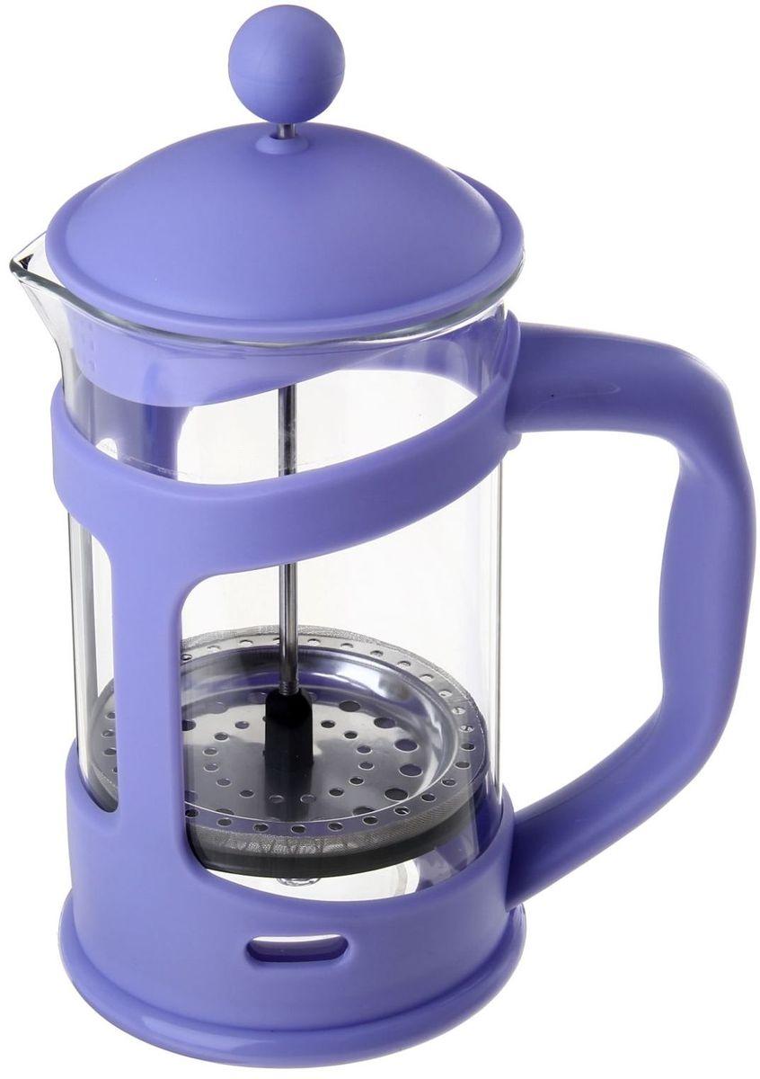 Френч-пресс Доляна Домашнее тепло, цвет: сиреневый, 800 мл863197Френч-пресс —приспособление для приготовления чая и кофе. Он пользуется огромным спросом у любителей этих напитков, ведь изделие довольно простое в использовании и имеет ряд других преимуществ: чай в нём быстрее заваривается; ёмкость позволяет наиболее полно раскрыться вкусовым качествам напитка; вы можете готовить кофе и чай с любимыми специями и травами. Как сделать вкусный кофе при помощи френч-пресса? Сначала вам нужно перемолоть зёрна. Степень помола — грубая. Вскипятите воду. Насыпьте кофе в изделие и медленно залейте его кипятком из чайника. Сначала наполните приспособление до середины, подождите 1 минуту и долейте остальное. Накройте крышкой, пусть напиток настоится ещё 3 минуты. Медленно опустите поршень. Оставьте кофе на 3 минуты, чтобы опустился осадок. Ваш напиток готов!