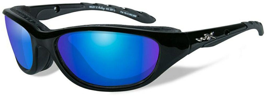 Очки солнцезащитные WileyX Airrage Polarized, для охоты, рыбалки и активного отдыха, цвет: Blue Mirror698Черная глянцевая оправа в сочетании с поляризованными зеркальными зелено-голубыми линзами делают данные солнцезащитные очки идеальным решением для занятий спортом и активного отдыха. Поляризованные зеркальные голубые линзы поглощают отражения и снижают блики. Очки обеспечат рыболовам улучшенную визуальную ясность и уникальную способность более ясно видеть видеть рыбу и рельеф дна под водой. ПОЛЯРИЗАЦИОННЫЙ ФИЛЬТР 8ТМ Запатентованная WileyX технология поляризации линз обеспечивает 100% поляризацию и 100% защиту от ультрафиолетовых лучей для непревзойденной четкости и контрастности изображения. ЗАЩИТА ОТ УДАРОВ НА ВЫСОКОЙ СКОРОСТИ Оправа и линзы должны выдерживать удар тяжелого снаряда весом 500 гр, падающего с высоты 127 см ПРОЧНОЕ ПОКРЫТИЕ Устойчивое к царапинам покрытие защищает линзы от механических повреждений и продлевает срок их службы. АНТИБЛИКОВОЕ ПОКРЫТИЕ Антибликовое покрытие устраняет нежелательные отражения с поверхностей линз. ВОДООТТАЛКИВАЮЩЕЕ ПОКРЫТИЕ...