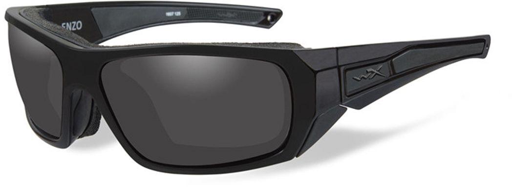 Очки солнцезащитные WileyX Enzo Black Ops, для охоты, рыбалки и активного отдыха, цвет: Smoke Grey810Дымчато-серые линзы данных очков обеспечивают максимальное уменьшение бликов и не искажают цвета. Данная модель отлично подходит для использования в яркие дни с интенсивным освещением. Линзы данных очков изготовлены из поликарбонада особенно устойчивого к царапинам и обеспечивабщего 100% УФ защиту. ЗАЩИТА ОТ УДАРОВ НА ВЫСОКОЙ СКОРОСТИОправа и линзы должны выдерживать удар тяжелого снаряда весом 500 гр, падающего с высоты 127 смПРОЧНОЕ ПОКРЫТИЕУстойчивое к царапинам покрытие защищает линзы от механических повреждений и продлевает срок их службы.ВОДООТТАЛКИВАЮЩЕЕ ПОКРЫТИЕВодоотталкивающее покрытие обеспечивает скатывание воды с поверхности линз. Используется только на поляризационных линзах.ПРОТИВОТУМАННОЕ ПОКРЫТИЕПротивотуманное покрытие предотвращает запотевание линз при высокой влажности и разнице температур.НАКЛАДКИ FACIAL CAVITY™ SEALSЗапатентованные защитные накладки FACIAL Cavity™ защищают от ветра, механических обломков и периферийного освещения.