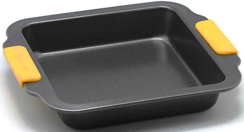 Форма для запекания Zanussi Amalfi, цвет: черный. ZAC32413CFZAC32413CFКоллекция форм серии Amalfi является хорошим приобретением любой хозяйки. Товар бренда Zanussi - металлические формы - пользуется высоким спросом, его отличает высокое качество и удобный размер. Изделия выполнены из толстой углеродистой стали. Отличительной особенностью серии являются силиконовые ручки на изделии, благодаря которым Вам не прийдется пользоваться дополнительными средствами для вытаскивания формы из духовки. Форма имеет антипригарное покрытие и утолщенные стенки, которые гарантируют равномерное пропекание изделия. Можно использовать в духовке до 230 градусов. Главное преимущество стальных форм - это абсолютная химическая нейтральность и экологичность.