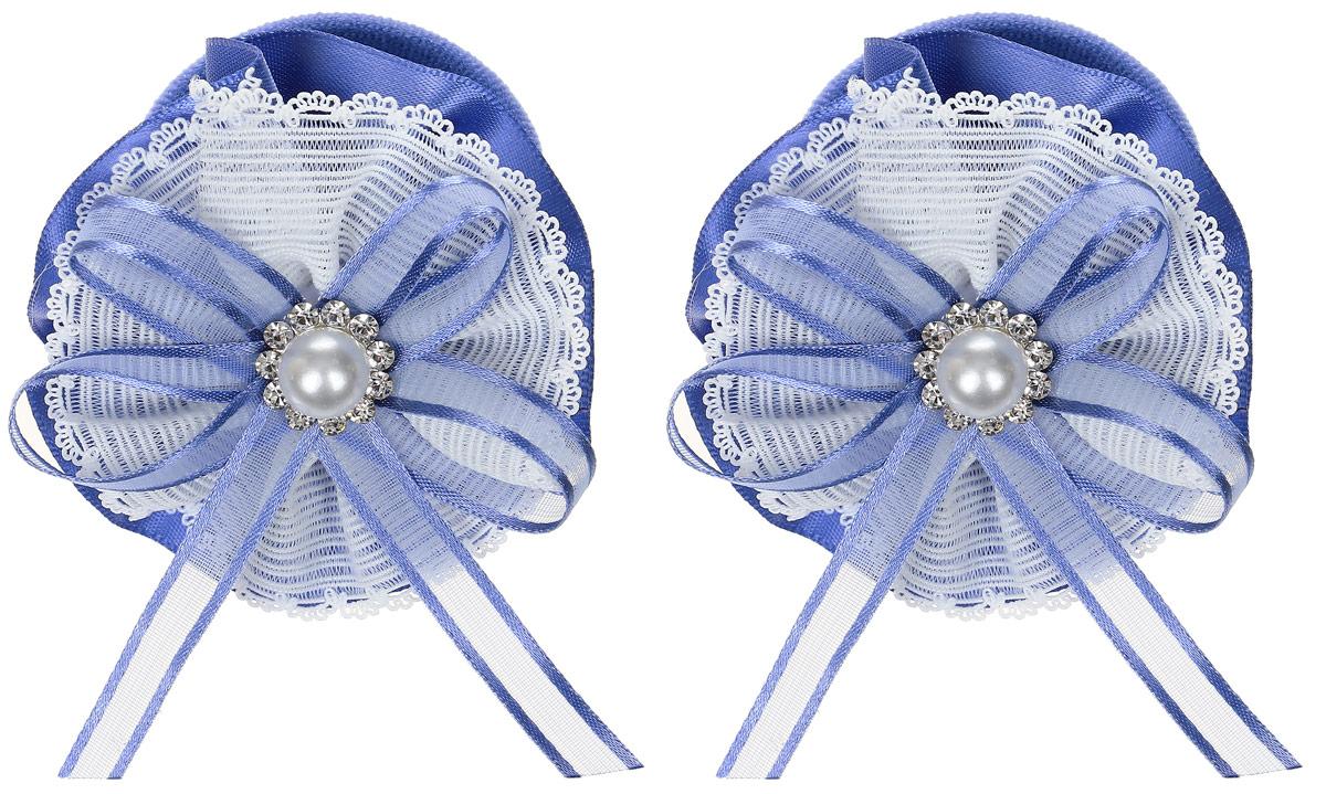 Babys Joy Резинка для волос Цветок цвет синий белый 2 шт MN 207/2MN 207/2_синий, белый/цветок/бантРезинка для волос Babys Joy выполнена из текстиля в виде цветка. Центр резинки декорирован жемчужной бусиной и стразами. Резинка позволит убрать непослушные волосы с лица и придаст образу немного романтичности и очарования. Резинка для волос Babys Joy подчеркнет уникальность вашей маленькой модницы и станет прекрасным дополнением к ее неповторимому стилю. В упаковке 2 резинки.
