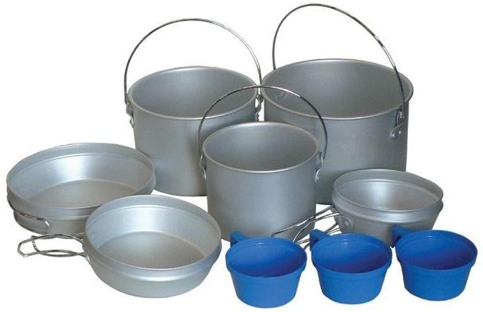 Набор посуды Tramp, цвет: серый. TRC-002TRC-002Полный вес: 830 г Комплект: котелок 2,9 л, с дужкой, крышка-сковородка со складными ручками котелок 1,9 л, с дужкой, крышка-сковородка со складными ручками котелок 1,2 л, с дужкой, крышка-сковородка со складными ручками пластмассовые кружки 3 шт