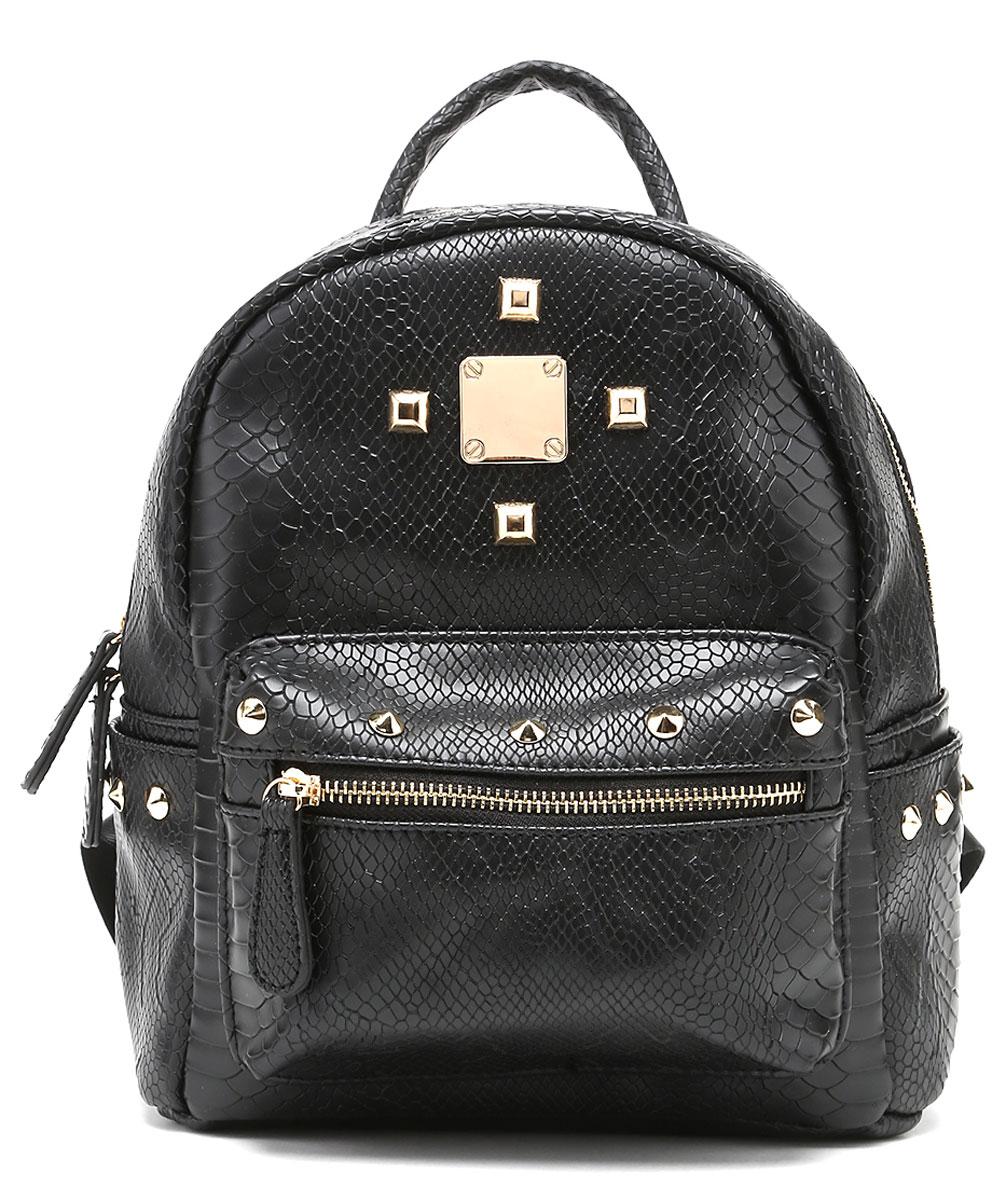 Рюкзак женский DDA, цвет: черный. SB-1041SB-1041 BKЖенский рюкзак David Jones изготовлен из качественной экокожи. Рюкзак имеет одно вместительное отделение и застегивается на застежку-молнию. Внутри отделения находятся два открытых накладных кармана и один врезной на молнии. По бокам рюкзака имеются два открытых накладных кармашка. Лицевая часть дополнена объемным накладным карманом на молнии. Изделие оснащено ручкой для переноски и двумя текстильными наплечными ремнями, длину которых можно регулировать.