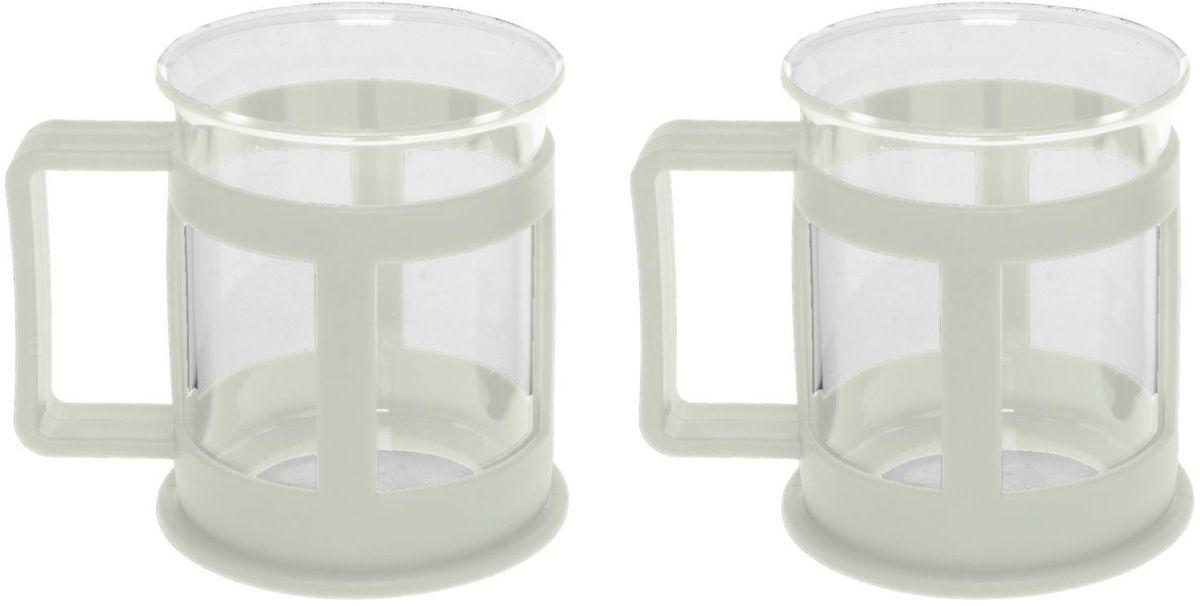 Набор кружек Доляна Классика, цвет: молочный, 200 мл, 2 шт1075427Практичный набор кружек пригодится каждому человеку. Поставьте его на кухне, возьмите с собой на работу, в поход или путешествие: качественные изделия не подведут вас. Достоинства: удобный пластиковый подстаканник защищает стеклянный корпус; ручка не нагревается от горячих напитков; изделие легко мыть; необычный дизайн освежает интерьер. При необходимости стеклянная часть кружки может быть извлечена. Делайте свою жизнь комфортнее!