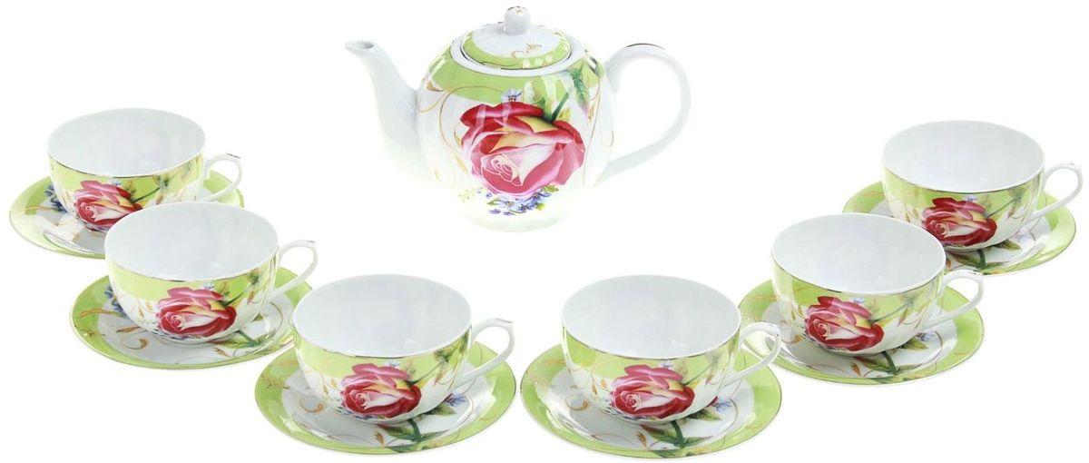 Набор чайный Доляна Утренняя роза, 13 предметов240624Какую посуду выбрать для чаепития? Конечно, традиционный напиток по необходимости можно пить и из помятой алюминиевой кружки. Но все-таки большинство хозяек стараются приобрести изящные и оригинальные модели для эстетического наслаждения неповторимым вкусом и тонким ароматом хорошего чая. Кухонная керамика сочетает в себе бытовую практичность и декоративную утонченность. Сервиз чайный Утренняя роза, 13 предметов: 6 чашек 250 мл, 6 блюдец, чайник 1 л отличается высокой прочностью и обаятельным дизайном. Нарядный комплект обязательных для чаепития атрибутов изготовлен на родине древнего напитка и привнесет в каждую трапезу особую энергетику.