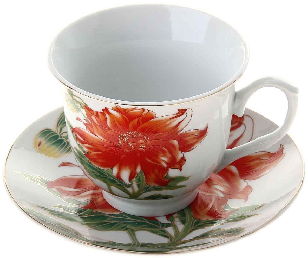 Чайная пара Доляна Ева, 2 предмета836499Какую посуду выбрать для чаепития? Конечно, традиционный напиток по необходимости можно пить и из помятой алюминиевой кружки. Но все-таки большинство хозяек стараются приобрести изящные и оригинальные модели для эстетического наслаждения неповторимым вкусом и тонким ароматом хорошего чая. Кухонная керамика сочетает в себе бытовую практичность и декоративную утонченность. Нарядный комплект обязательных для чаепития атрибутов изготовлен на родине древнего напитка и привнесет в каждую трапезу особую энергетику.