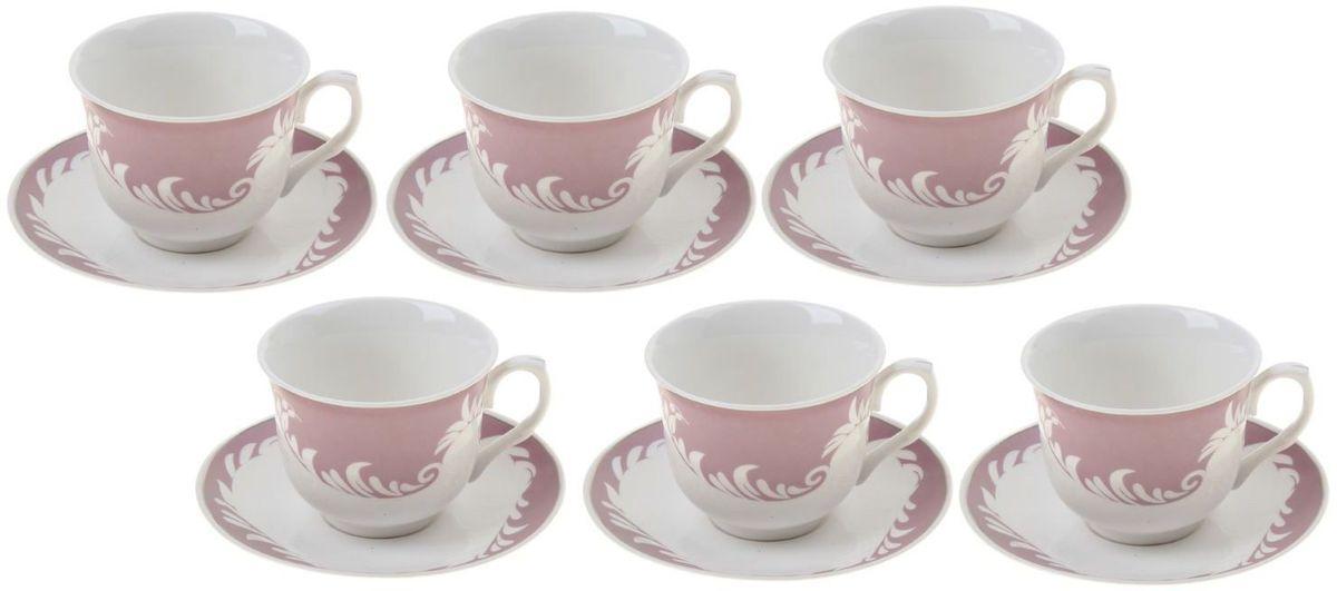 Сервиз чайный Доляна Мирэль, 12 предметов867810Кто-то ценит в посуде смелый и неординарный дизайн, отход от классики и эпатаж. Ну а большинство людей придерживается традиционных взглядов. Если вам ближе классика, то сервиз чайный 12 предметов в подарочной коробке Мирэль (чашка 220 мл) — именно то, что нужно! Ведь что ни говори, а чаепитие испокон веков связывалось с теплотой, неспешностью и лёгкостью. И посуда для этого требовалась соответствующая. Сервиз «Мирэль» с его пастельными цветами и плавными линиями как нельзя лучше способствует поддержанию душевной застольной беседы. Гости будут приятно удивлены радушием хозяина, выставившим для них такой прекрасный набор посуды. В набор входят: чашка (220 мл) — 6 шт., блюдце — 6 шт. При всём изяществе керамическая посуда отличается неприхотливостью и не требует особых условий хранения. Она подходит для повседневного использования и мытья в посудомоечных машинах. Однако нескольких простых правил всё же стоит придерживаться: не допускать падения посуды с высоты; избегать использования...