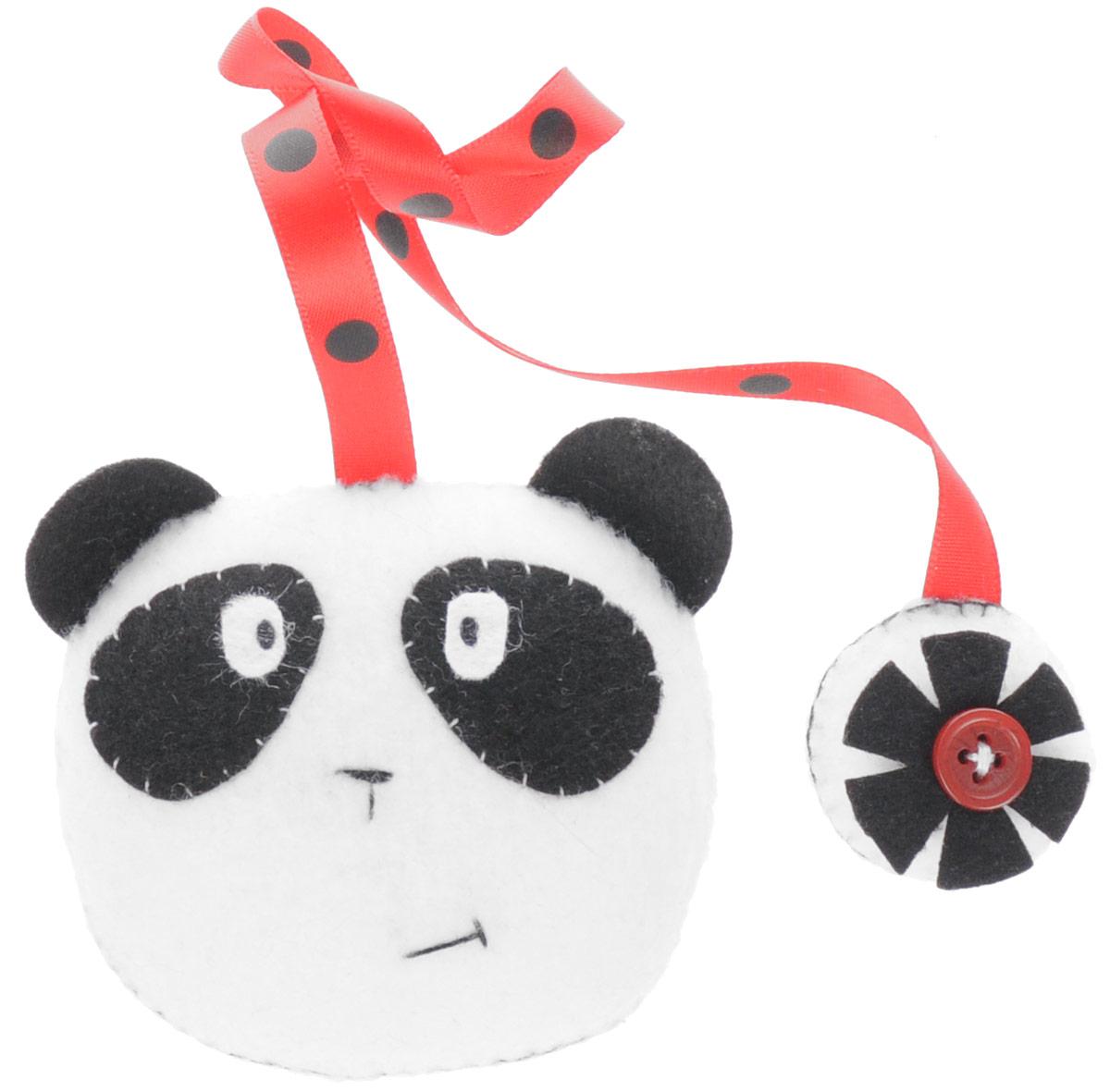 Закладка книжная Панда, 6,5 см х 7 см. Ручная работа. Автор Леся КелбаFS-00897Kelba - это творческая мастерская кукол и игрушек. Игрушка-закладка выполнена из текстиля в виде панды.