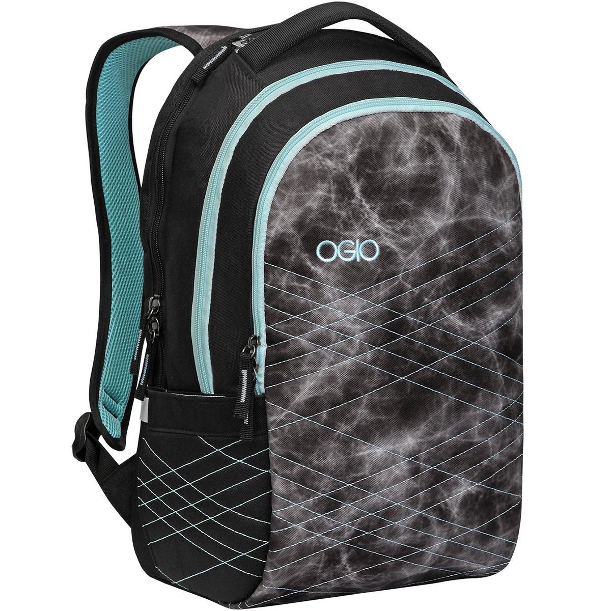 Рюкзак городской женский OGIO Urban. Synthesis Pack (A/S), цвет: черный, мятный. 031652227347031652227347Функциональный городской рюкзак, который отлично держит форму и не висит мешком. Synthesis Pack с легкостью сохранит Ваш ноутбук и планшет в целости в отдельно внутреннем мягком отсеке, а для хрупких мелочей, например, очков или фотоаппарата предназначен верхний отдельный карман на молнии с мягкой флисовой подкладкой. Любителей идеального порядка наверняка порадует внешний карман-органайзер с многочисленными отсеками для ручек, блокнотов и карабином для ключей, так что Вам не придется тратить время на поиск самых необходимых предметов, которые так и норовят затеряться в пространстве рюкзаков.