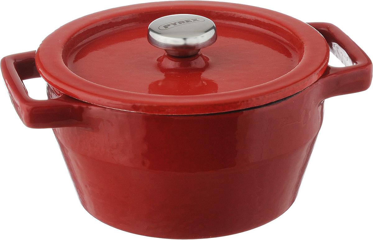 Мини-кастрюля Pyrex Slowcook, с крышкой, 0,2 лSC5AC10/5646Мини-кастрюля Pyrex Slowcook выполнена из высококачественного чугуна с глазурованным покрытием. В такой кастрюле удобно порционно запекать пищу, например, жульен, мясо и овощи, рыбу, а также выпекать мини-суфле, запеканки или десерты. Может использоваться для подачи соусов и приправ. Приготовленное блюдо можно не выкладывать из мини-кастрюли, а подавать на стол прямо в ней. Изделие оснащено крышкой с металлической ручкой. Изделие выдерживает температуру до +280°C Подходит для использования на всех типах плит, кроме индукционных. Можно использовать в духовом шкафу и на галогеновой конфорке, и мыть в посудомоечной машине. Ширина мини-кастрюли (с учетом ручек): 13 см. Высота стенок: 5 см. Диаметр мини-кастрюли (по верхнему краю): 10 см.