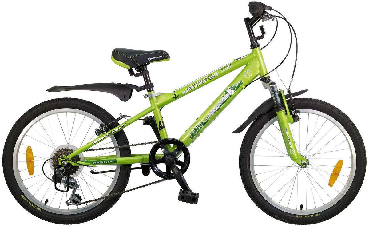 Велосипед детский Novatrack Extreme, цвет: зеленый, 2020SH6V.EXTREME.GN5Novatrack Extreme 20'' – это безопасный и надежный велосипед для мальчиков 7-10 лет, который поможет освоить азы катания на скоростном велосипеде. 20 дюймовые колеса уже отличают эту модель от велосипедов, на которых катаются дошколята. Велосипед оснащен 6-скоростной системой переключения передач, амортизационной вилкой, передним ручным тормозом, регулируемым сидением и рулем, для обеспечения удобной посадки. Велосипед достаточно легкий, поэтому ребенок сможет самостоятельно его транспортировать из дома во двор. Extreme 20'' предназначен для активной езды и готов к любым испытаниям на детской площадке, в парке и других местах, пригодных для катания.