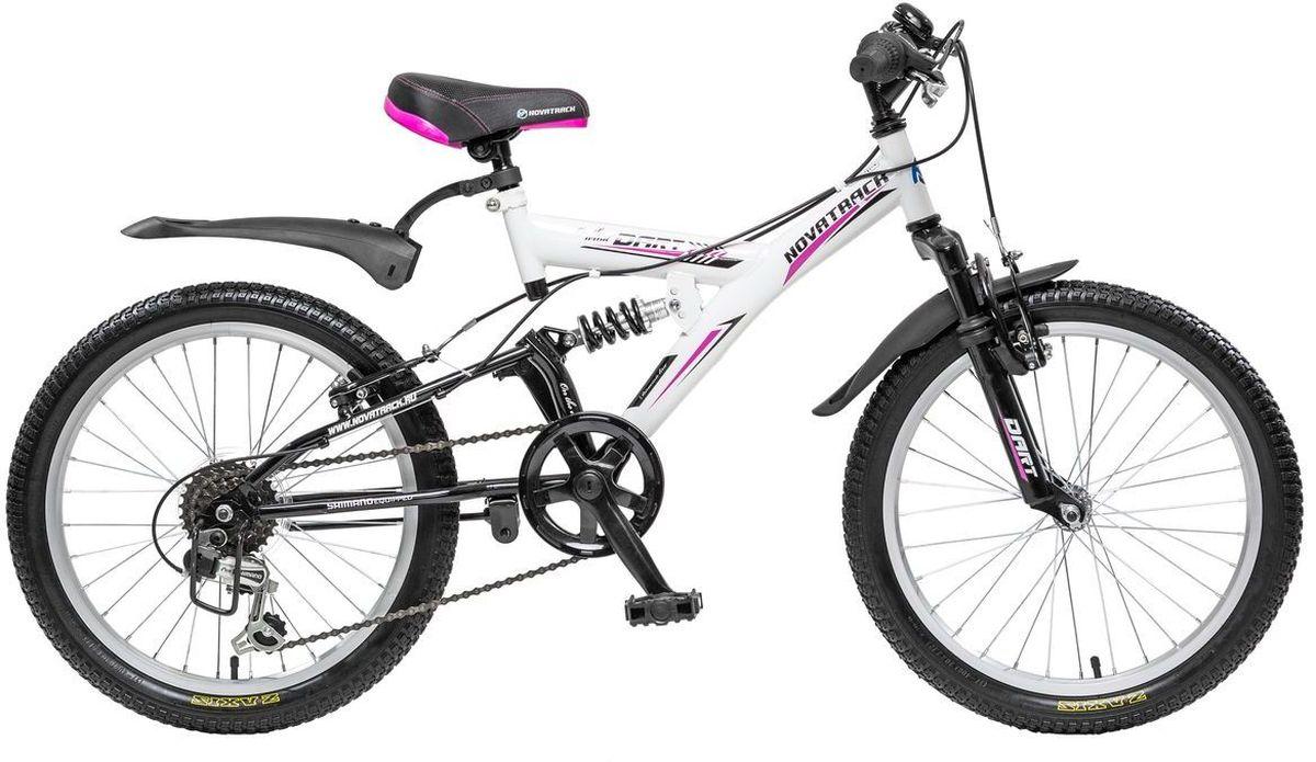 Велосипед детский Novatrack Dart, цвет: черный, белый, 2020SS6V.DART.WT5Велосипед Novatrack Dart 20'' это один из велосипедов, который чаще всего выбирают ребята 7-10 лет. А в этом возрасте они уже четко знают, чего хотят! Передний и задний амортизаторы, как на больших спортивных велосипедах, переключатель скоростей на руле, целых два тормоза – передний и задний, которыми, как показывает практика, дети быстро учатся управлять. Велосипед оборудован мягким регулируемым седлом, которое обеспечит удобную посадку во время катания. Руль велосипеда также регулируется по высоте, благодаря чему велосипед долго будет соответствовать росту ребенка. Dart 20'' самая подходящая модель для катания не только во дворе, но и в парках, а также за городом.