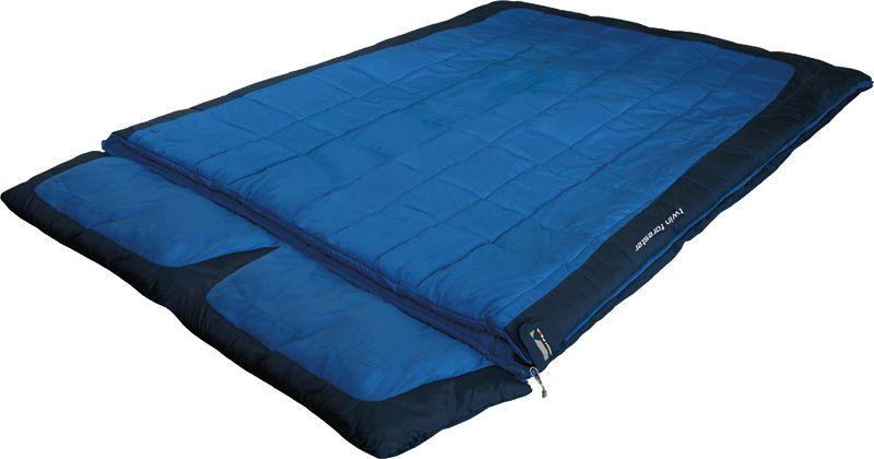 Спальный мешок-одеяло High Peak Twin Forester, цвет: синий, темно-синий, 230 х 150 см, левосторонняя молния. 2124521245Спальный мешок Twin Forester High Peak - это огромный двухместный семейный спальный мешок для комфортного отдыха во время летних путешествий. Спальник Twin Forester достаточно теплый, вы не замерзнете даже в прохладную ночь. Можно отстегнуть подголовник и использовать спальник как большое одеяло. Внешняя ткань спальника выполнена из шелковистого полиэстера, а внутренняя ткань состоит из хлопка и полиэстера. Вдоль молнии идет защита от закусывания замком молнии ткани спальника. Чтобы холодный воздух не проникал сквозь молнию, ее закрывает тепловой клапан. В верхней части молния фиксируется клапаном на липучке Velcro. На молнии два бегунка, которые позволяют расстегнуть спальник со стороны ног и сделать вентиляционное окно. Спальник утеплен слоем силиконизированного утеплителя Dura Loft, смешанного с холлофайбером в соотношении 70%/30% Верх 2х150 (300) г/м2 + Низ 2х150 (300) г/м2. В комплекте со спальником идет транспортировочный чехол. Внешняя ткань Шелковистый полиэстер (Silk...