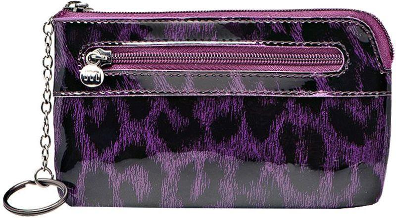 Ключница Malgrado, цвет: фиолетовый. 50501-015802#Серьги с подвескамиСтильная ключница Malgrado изготовлена из натуральной лакированной кожи фиолетового цвета и имеет одно отделение на застежке-молнии. Внутри - цепочка с металлическим кольцом для ключей. На задней стенке расположен кармашек на застежке-молнии.Ключница упакована в коробку из плотного картона с логотипом фирмы. Характеристики: Материал:натуральная кожа, металл, текстиль. Размер ключницы:12,5 см x 7,5 см х 1 см. Цвет:фиолетовый. Размер упаковки:13 см x 9,5 см x 3 см. Артикул:50501-015802# Purple.