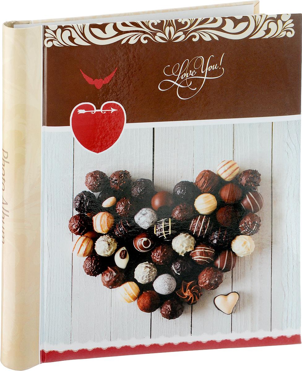 Фотоальбом Pioneer Chocolate Love, 10 магнитных листов, 23 х 28 смUP210DFФотоальбом Pioneer Chocolate Love позволит вам запечатлеть незабываемые моменты вашей жизни, сохранить свои истории ивоспоминания на его страницах. Обложка из толстого картона, оформлена оригинальным принтом. Фотоальбом рассчитан на 10 фотографии форматом 23 х 28 см. Такой необычный фотоальбом позволит легко заполнить страницы вашей истории, и с годами ничего не забудется.Тип обложки: Ламинированный картон.Тип листов: магнитные.Тип переплета: спираль.Материалы, использованные в изготовлении альбома, обеспечивают высокое качество хранения ваших фотографий, поэтому фотографии не желтеют со временем