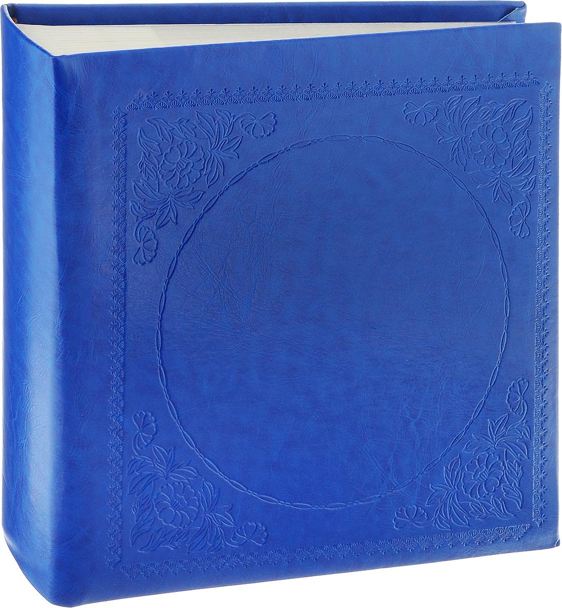 Фотоальбом Pioneer Glossy Leathern, 200 фотографий, цвет: синий, 10 x 15 смUP210DFФотоальбом Pioneer Glossy Leathern позволит вам запечатлеть незабываемые моменты вашей жизни, сохранить свои истории и воспоминания на его страницах. Обложка из толстого картона обтянута искусственной кожей и оформлена декоративным тиснением. Фотоальбом рассчитан на 200 фотографий форматом 10 x 15 см (по 2 на странице). Имеются поля для подписей. Такой необычный фотоальбом позволит легко заполнить страницы вашей истории, и с годами ничего не забудется.Тип обложки: Делюкс (Искусственная кожа).Страницы: Бумажные.Тип переплета: Книжный.Кол-во фотографий: 200.Материалы, использованные в изготовлении альбома, обеспечивают высокое качество хранения ваших фотографий, поэтому фотографии не желтеют со временем.