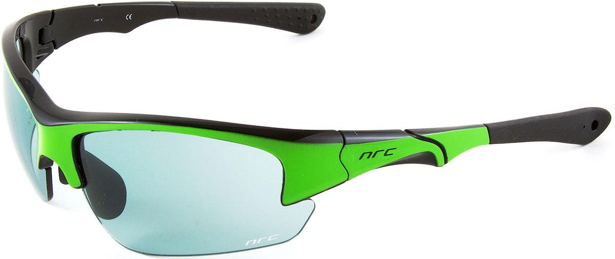Очки солнцезащитные NRC, цвет: зеленый. 2103721037Бренд NRC представляет очки, предназначенные как для езды на велосипеде, так и для многих других видов спорта. NRC известен собственными фирменными разработками, адаптирующими очки под разные климатические условия, различное время суток, степень освещенности, а также под индивидуальные потребности каждого конкретного пользователя. Очки глянцевые черные с флуорисцентно-зеленым Дымчатые фотохромные линзы Материал оправы – Нейлон (TR90) Оправа - регулируемые носоупоры и дужки Материал линзы - поликарбонат (РС) Особенности линзы - фотохромные Покрытие – защитное от царапин, зеркальное Прозрачность -15% Категория фильтра -3 Вес -32,3 г Кривизна (изгиб) -8