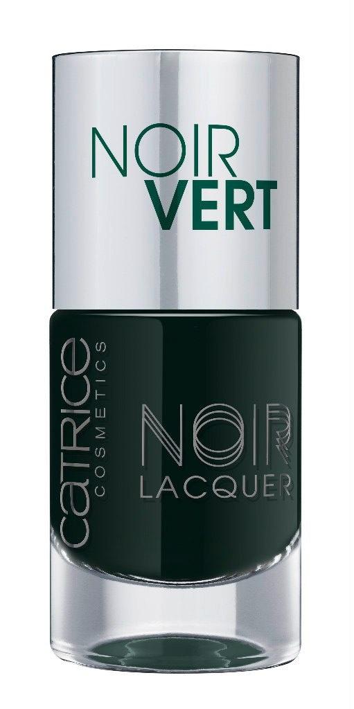 Catrice Лак для ногтей Noir Noir Lacquers 06 Noir Vert оливково-черный 10мл59917Стойкая формула и эффектный глянцевый блеск, новые лаки CATRICE Noir Noir Lacquers – словно коллекция «маленьких черных платьев» для ногтей! В каждом из них глубокий черный тон дополнен едва уловимой ноткой цвета – зеленого, синего, фиолетового или красного. Плотная текстура обеспечивает равномерное нанесение.
