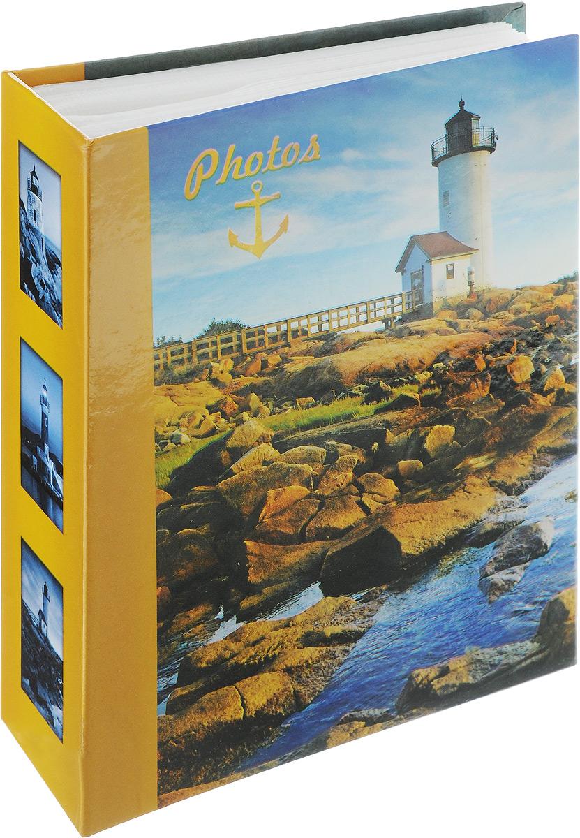 Фотоальбом Pioneer Lighthouse, 100 фотографий, цвет: горчичный, синий, 10 x 15 см46370 LM4R100Фотоальбом Pioneer Lighthouse поможет красиво оформить ваши самые интересные фотографии. Обложка из толстого ламинированного картона оформлена принтом. Фотоальбом рассчитан на 100 фотографий форматом 10 x 15 см. Внутри содержится блок из 50 листов с окошками из полипропилена. Такой необычный фотоальбом позволит легко заполнить страницы вашей истории, и с годами ничего не забудется. Тип обложки: Ламинированный картон. Тип листов: полипропиленовые. Тип переплета: высокочастотная сварка. Кол-во фотографий: 100. Материалы, использованные в изготовлении альбома, обеспечивают высокое качество хранения ваших фотографий, поэтому фотографии не желтеют со временем.