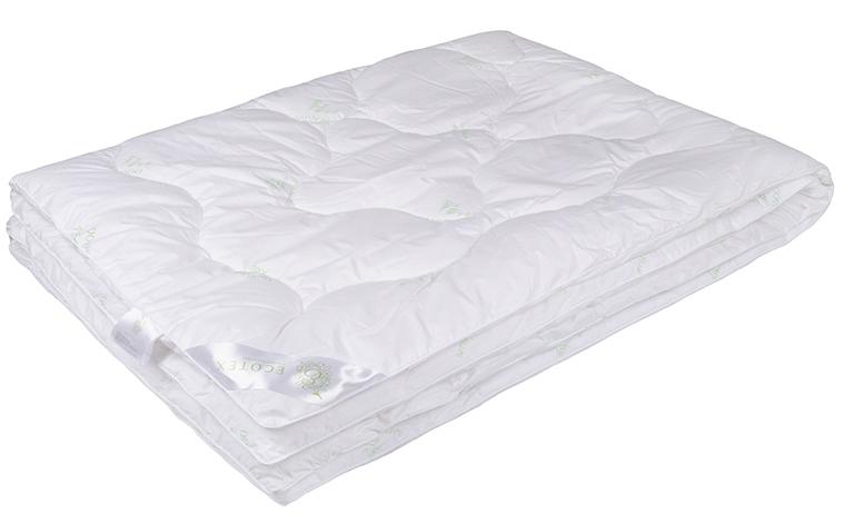 Одеяло Ecotex Бамбук-Премиум, наполнитель: бамбуковое волокно, цвет: белый, 140 х 205 смОБП1- экологически чистый природный материал; - не вызывает раздражения; - ощущение свежести: регулирует влажность и теплообмен; - долговечность: сохраняет свои первоначальные свойства и форму после многократной эксплуатации.