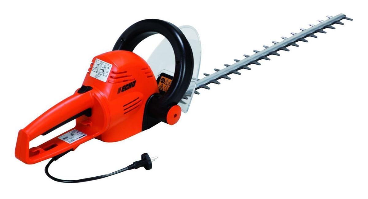 Ножницы электрические Echo HCR-610HCR-610Электроножницы Echo HCR-610 являются качественным современным инструментом, выполненным из лучших материалов, которые являются износоустойчивыми, надежными и имеют большой срок эксплуатации. Такой агрегат идеально подходит для ухода за небольшим садом, поэтому пользуется популярностью у садоводов-любителей. Также инструмент можно применять для стрижки живых изгородей и деревьев в городских садах и парках, что делает его востребованным и в клиннинговых компаниях. Инструмент оснащен ножом, длина которого составляет 60 сантиметров, поэтому он может обрезать ветви даже в самых труднодоступных местах. Ножницы отличаются отличной эргономикой и балансировкой. Их удобно держать в одной руке при работе на высоте. Такой инструмент не занимает много места, поэтому он очень удобен и во время хранения, и при транспортировке. Особенности: Предназначен для подрезания кустарниковых растений и удаления ненужных веток деревьев Удобен в работе, так как обладает отличной маневренностью,...
