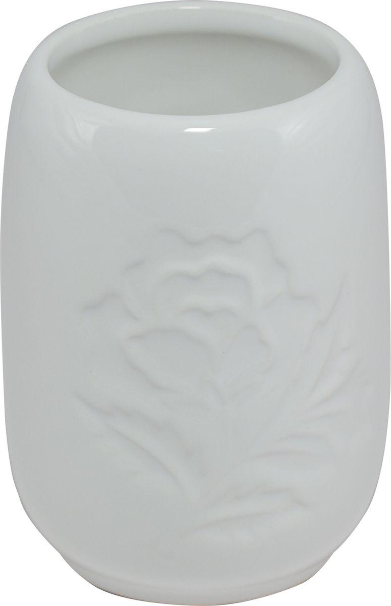 Стакан для ванной Swensa Пион, цвет: белыйSWTK-2200CСтакан из коллекции Пион представляет собой изящное изделие, изготовленное в классическом стиле, который никогда не выйдет из моды. Плавные очертания и нежные флористические узоры на поверхности позволят стакану гармонично дополнить интерьер ванной комнаты. Высококачественной и экологичной керамике не требуется особый уход, поэтому стакан прослужит своим владельцам на протяжении длительного времени.
