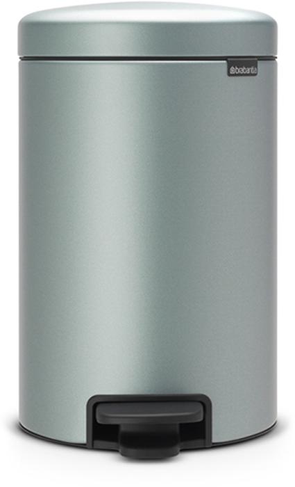 Мусорный бак с педалью Brabantia NewIcon, 12 л. 113765113765Этот 12-литровый бак с педалью достаточно вместителен и при этом достаточно компактен для размещения под рабочим столом – отличное решение для кухни или гостиной. Бесшумный – плавное закрывание крышки и необыкновенно мягкий ход педали. Не пропускает запах – плотно прилегающая крышка. Устойчивый – специальное устройство, предотвращающее опрокидывание бака. Не повреждает пол – нескользящее основание. Удобная очистка –съемное внутреннее пластиковое ведро. Бак удобно перемещать – специальная ручка в блоке крепления крышки. Всегда опрятный вид – в комплекте идеально подходящие по размеру мешки для мусора PerfectFit (размер C). Сертификат соответствия концепции регенерации Cradle to Cradle. Изготовлен на 40% из переработанных материалов, подлежит вторичной переработке вместе с упаковкойна 98%. 10 лет гарантии. Brabantia c заботой о вашем доме и планете. Добрые дела сегодня – залог счастливого завтра. Мусорные баки с педалью newIcon не только...
