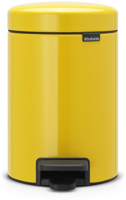 Мусорный бак с педалью Brabantia NewIcon, 3 л. 113123113123Этот небольшой изящный бак на 3 литра гарантирует большое преображение вашего самого маленького помещения в доме! Бесшумный – плавное закрывание крышки и необыкновенно мягкий ход педали. Не пропускает запах – плотно прилегающая крышка. Устойчивый – специальное устройство, предотвращающее опрокидывание бака. Не повреждает пол – нескользящее основание. Удобная очистка –съемное внутреннее пластиковое ведро. Всегда опрятный вид – в комплекте идеально подходящиепо размеру мешки для мусора PerfectFit (размер A). Изготовлен на 40% из переработанных материалов, подлежит вторичной переработке вместе с упаковкой на 98%. 10 лет гарантии. Сертификат соответствия концепции регенерации Cradle to Cradle. Brabantia c заботой о вашем доме и планете. Добрые дела сегодня – залог счастливого завтра. Мусорные баки с педалью newIcon не только безупречно красивы, они еще и надежные работники! Покупая этот бак, вы вносите вклад в крупнейший проект по очистке мирового...