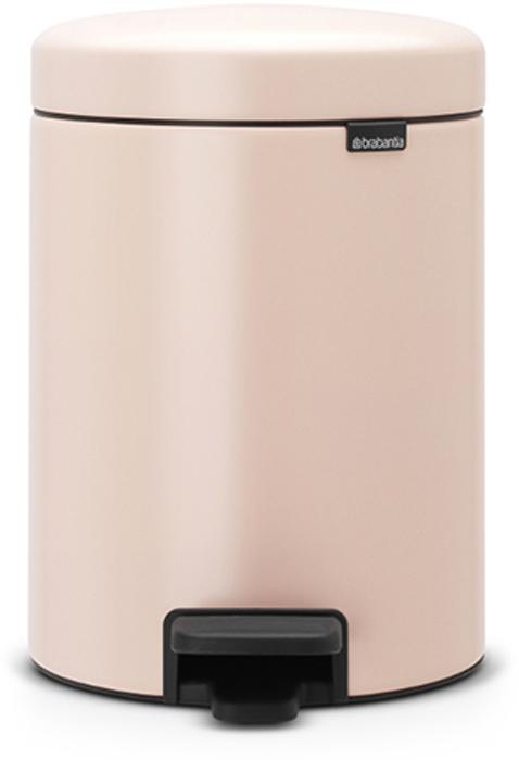 Мусорный бак с педалью Brabantia NewIcon, 5 л. 112508112508Этот 5-литровый бак с педалью идеально подходит для ванной, туалета или детской комнаты. Бесшумный – плавное закрывание крышки и необыкновенно мягкий ход педали. Не пропускает запах – плотно прилегающая крышка. Устойчивый – специальное устройство, предотвращающее опрокидывание бака. Не повреждает пол – нескользящее основание. Удобная очистка – съемное внутреннее пластиковое ведро. Всегда опрятный вид – в комплекте идеально подходящие по размеру мешки для мусора PerfectFit (размер В). Сертификат соответствия концепции регенерации Cradle to Cradle. Изготовлен на 40% из переработанных материалов, подлежит вторичной переработке вместе с упаковкойна 98%. 10 лет гарантии. Brabantia c заботой о вашем доме и планете. Добрые дела сегодня – залог счастливого завтра. Мусорные баки с педалью newIcon не только безупречно красивы, они еще и надежные работники! Покупая этот бак, вы вносите вклад в крупнейший проект по очистке мирового океана от пластикового...
