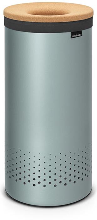 Бак для белья Brabantia, 35 л. 10438110438135-литровый бак для белья Brabantia выполнен из стойких к коррозии материалов и идеально подходит для влажных помещений. Благодаря классическому дизайну бак легко впишется в интерьер Вашей ванной комнаты! Изготовлен из коррозионностойких материалов (нержавеющая сталь и пластик). Металлическая крышка с отверстием, которое позволяет положить мелкие предметы в бак, не открывая крышку. Пластиковое защитное кольцо предотвращает повреждение пола. Вентиляционные отверстия на корпусе позволяют содержимому бака дышать, что позволяет избежать появления неприятного запаха. Съемный мешок для белья легко менять. Благодаря прорезиненным краям мешок не соскальзывает в корзину. В комплект входит съемный моющийся мешок для белья. •Гарантия 10 лет.