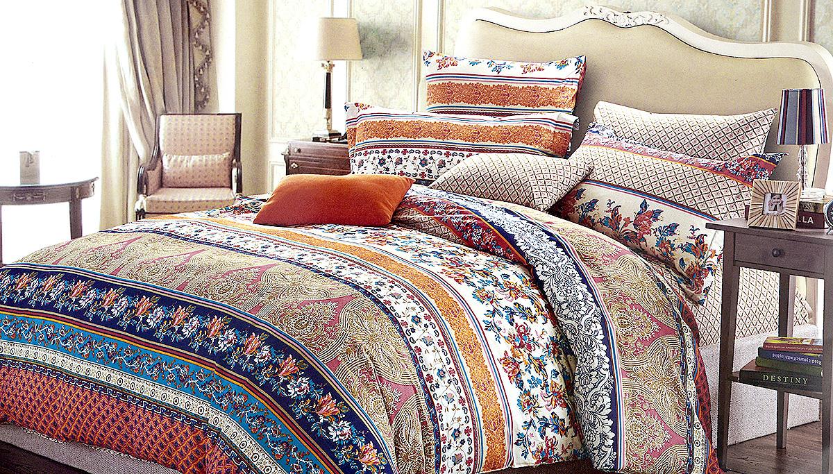 Комплект белья МарТекс Импульс, 1,5-спальный, наволочки 70х70, цвет: белый, синий, оранжевый01-0513-1Комплект постельного белья МарТекс Импульс состоит из пододеяльника, простыни и двух наволочек и изготовлен из качественного сатина. Постельное белье оформлено оригинальным ярким рисунком и имеет изысканный внешний вид. Сатин - вид ткани, произведенный из натурального хлопка. Материал гладкий (почти, как шелк) и в то же время имеет все свойства хлопка: не аллергенен, прочен, почти не мнется и хорошо гладится. Благодаря натуральному хлопку, постельное белье приобретает способность пропускать воздух, давая возможность телу дышать. Приобретая комплект постельного белья МарТекс, вы можете быть уверенны в том, что покупка доставит вам и вашим близким удовольствие и подарит максимальный комфорт.
