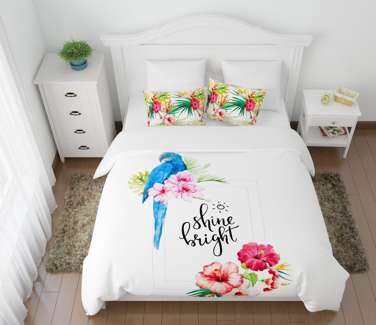 Комплект белья Сирень Голубой попугай, 1,5-спальный, наволочки 50x7008665-КПБ-МКомплект постельного белья Сирень выполнен из прочной и мягкой ткани. Четкий и стильный рисунок в сочетании с насыщенными красками делают комплект постельного белья неповторимой изюминкой любого интерьера. Постельное белье идеально подойдет для подарка. Идеальное соотношение смешенной ткани и гипоаллергенных красок это гарантия здорового, спокойного сна. Ткань хорошо впитывает влагу, надолго сохраняет яркость красок. Цвет простыни, пододеяльника, наволочки в комплектации может немного отличаться от представленного на фото. В комплект входят: простынь - 150х220см; пододельяник 145х210 см; наволочка - 50х70х2шт. Постельное белье легко стирать при 30-40 градусах, гладить при 150 градусах, не отбеливать.Рекомендуется перед первым изпользованием постирать.