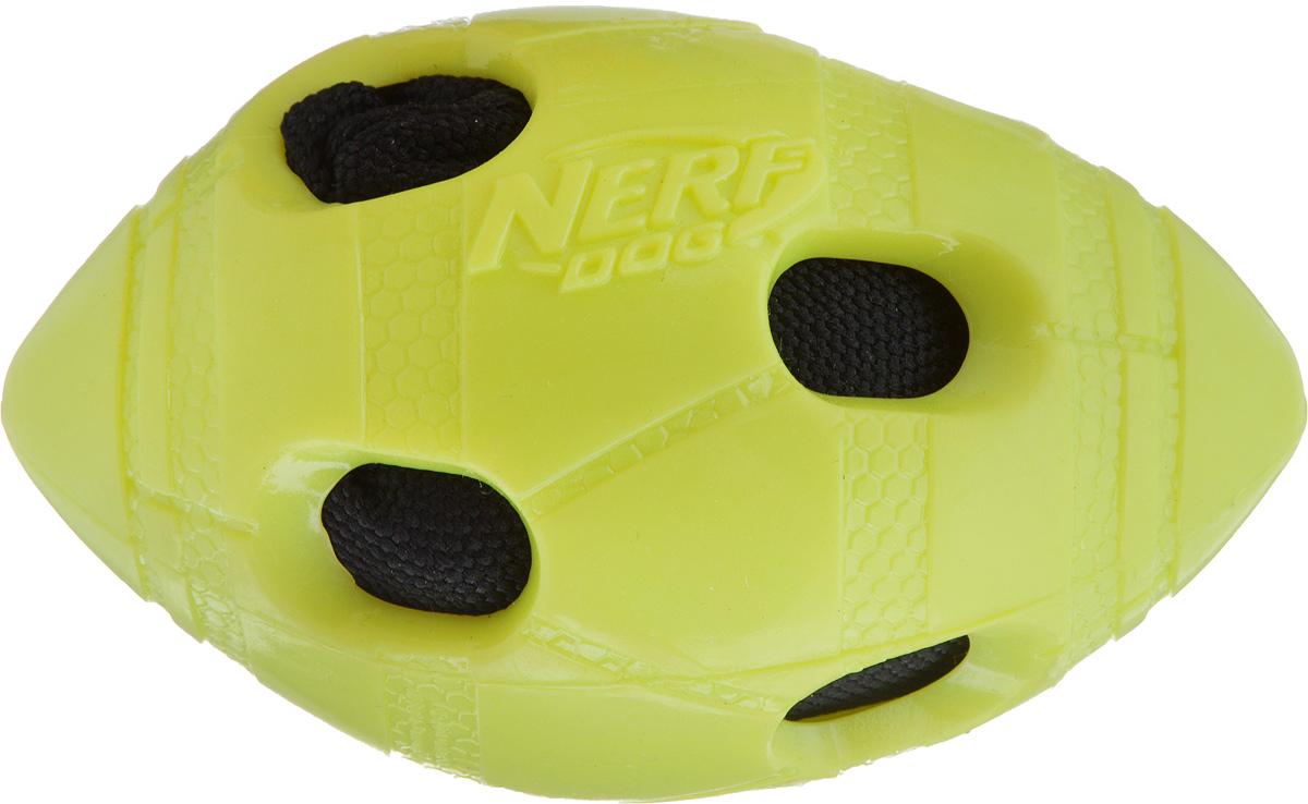 Игрушка для собак Nerf Мяч для регби, длина 10 см0120710Игрушка для собак Nerf Мяч для регби выполнена из резины в форме мяча для регби с рельефным рисунком и нейлоновым хрустящим мячом внутри. Такая игрушка порадует вашего любимца, а вам доставит массу приятных эмоций, ведь наблюдать за игрой всегда интересно и приятно. Размер игрушки: 6 х 6 х 10 см.