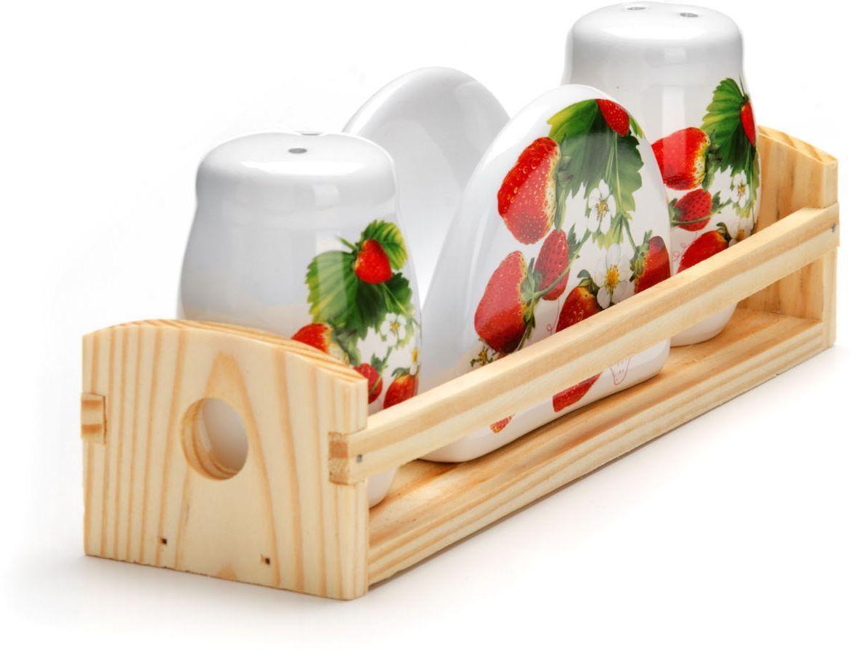 Набор для специй Loraine Клубника, 4 предмета. 2635126351Набор для специй Loraine состоит из солонки, перечницы, салфетницы и деревянной подставки. Предметы набора выполнены из прочной доломитовой БИО и ЭКО керамики. Отверстия, в которые засыпаются специи, закрыты силиконовыми пробками. Благодаря своим небольшим размерам набор не займет много места на Вашей кухне. Дизайн, эстетичность и функциональность набора позволят ему стать достойным дополнением к кухонному инвентарю и украсить сервировку Вашего стола.