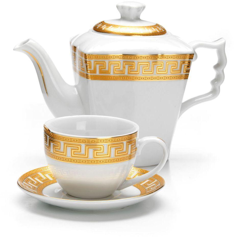 Чайный сервиз Loraine, 13 предметов (1 л + 220 мл), подарочная упаковка. 2642626426Чайный набор Loraine на 6 персон выполнен из высококачественного фарфора белого цвета и украшен золотым орнаментом. Изящный дизайн придется по вкусу и ценителям классики, и тем, кто предпочитает утонченность и изысканность. Набор упакован в стильную подарочную коробку, оформленную изнутри белой атласной тканью. Каждый предмет надежно зафиксирован внутри коробки благодаря специальным выемкам. Чайный набор - идеальный и необходимый подарок для Вашего дома и для ваших друзей в праздники, юбилеи и торжества! Также он станет отличным корпоративным подарком и украшением любой кухни. Подходит для мытья в посудомоечной машине. В наборе: 6 чашек, 6 блюдец и заварочный чайник.