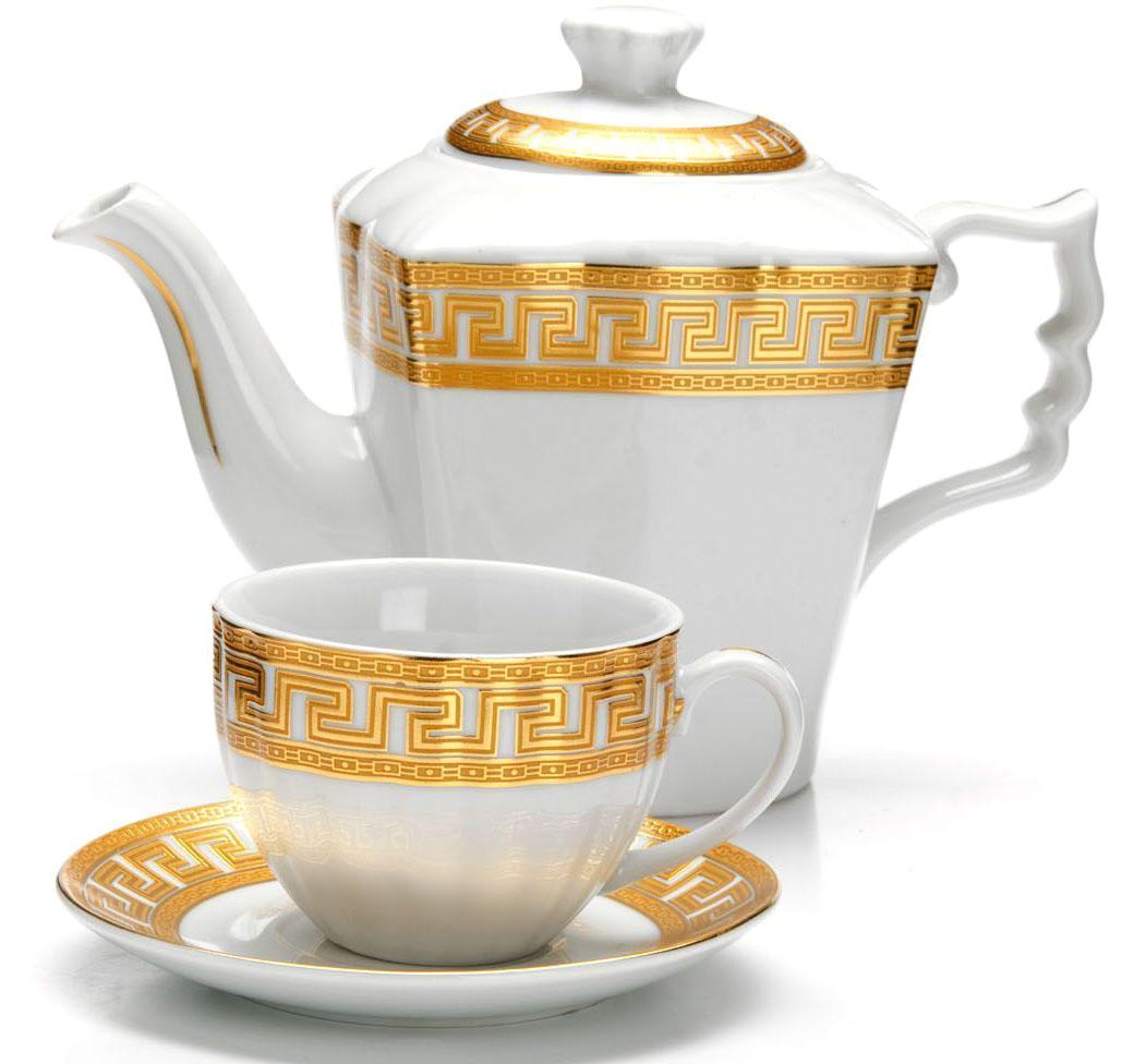Чайный сервиз Loraine, 13 предметов (1 л + 220 мл), подарочная упаковка. 2642726427Чайный набор Loraine на 6 персон выполнен из высококачественного фарфора белого цвета и украшен золотым орнаментом. Изящный дизайн придется по вкусу и ценителям классики, и тем, кто предпочитает утонченность и изысканность. Набор упакован в стильную подарочную коробку, оформленную изнутри белой атласной тканью. Каждый предмет надежно зафиксирован внутри коробки благодаря специальным выемкам. Чайный набор - идеальный и необходимый подарок для Вашего дома и для ваших друзей в праздники, юбилеи и торжества! Также он станет отличным корпоративным подарком и украшением любой кухни. Подходит для мытья в посудомоечной машине. В наборе: 6 чашек, 6 блюдец и заварочный чайник.