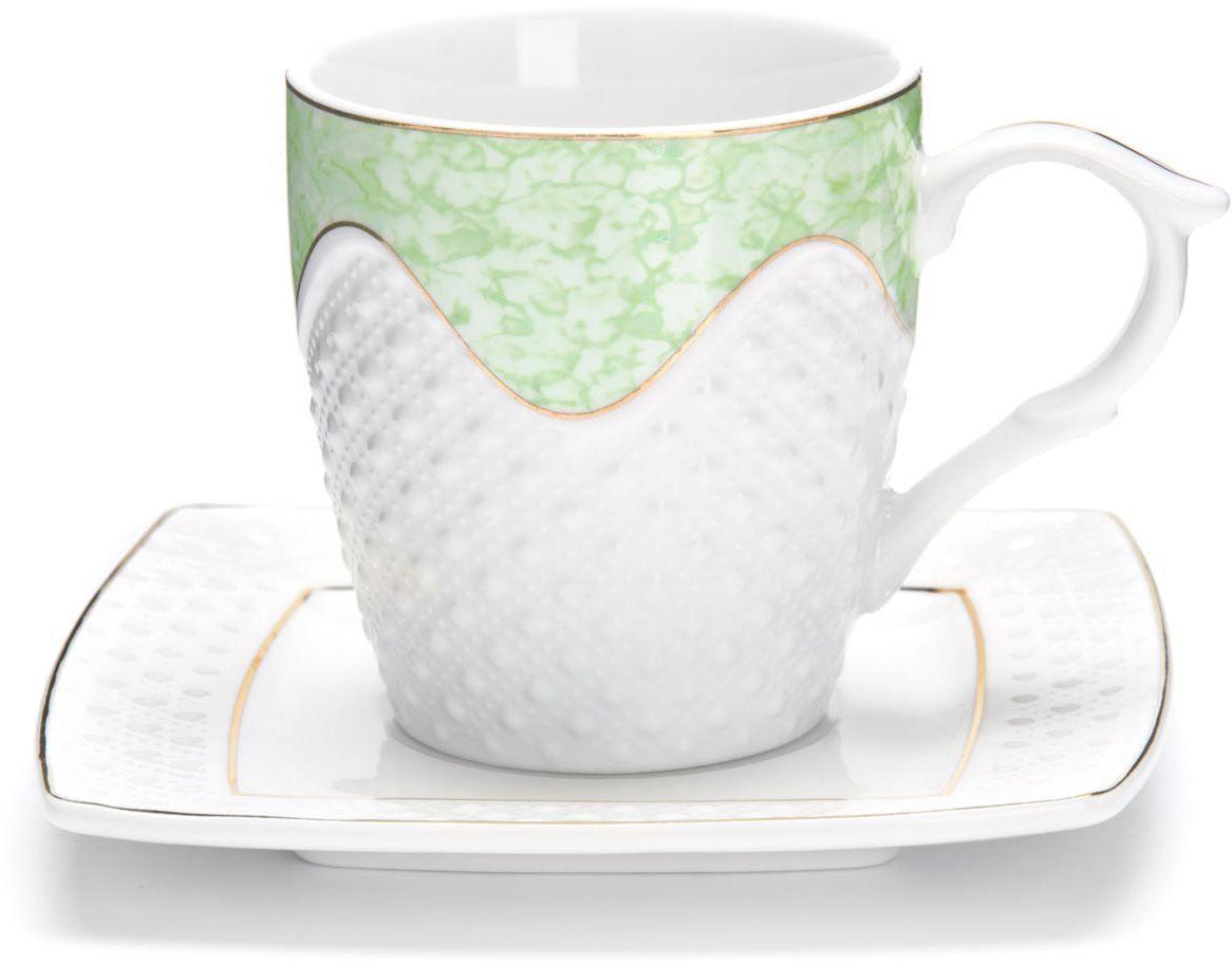Чайный сервиз Loraine, 200 мл, подарочная упаковка. 2683126831Чайный набор Loraine на 6 персон, изготовленный из высококачественной керамики изысканного белого цвета, состоит из 6 чашек и 6 блюдец. Изделия набора украшены тонкой золотой каймой и имеют красивый и нежный дизайн. Набор придется по вкусу и ценителям классики, и тем, кто предпочитает утонченность и изысканность. Он настроит на позитивный лад и подарит хорошее настроение с самого утра. Набор упакован в подарочную упаковку. Такой чайный набор станет прекрасным украшением стола, а процесс чаепития превратится в одно удовольствие! Это замечательный выбор для подарка родным и друзьям!