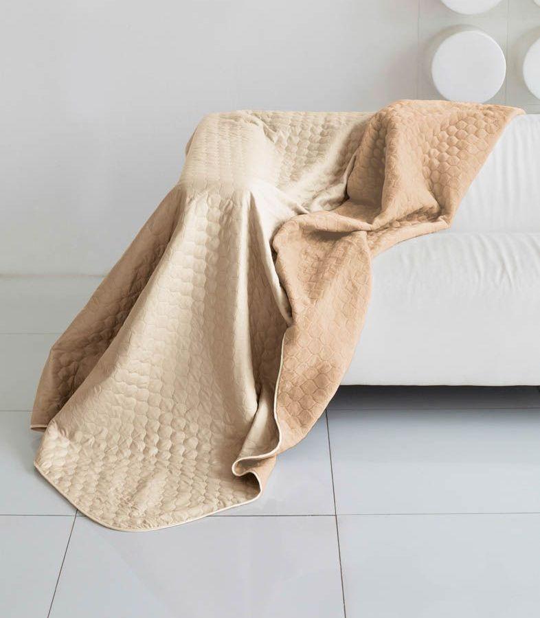Комплект для спальни Sleep iX Multi Set, 2,5 спальное, цвет: бежевый, темно-бежевый, 4 предмета. pva22157712245Комплект для спальни Sleep iX Multi Set состоит из покрывала, простыни и 2 наволочек. Верх многофункционального одеяла-покрывала выполнен из мягкой микрофибры, которая хорошо сохраняет тепло, устойчива к стирке и износу, а низ выполнен изискусственного меха. Этот мех не требует специального ухода, он легко чистится и долгое время сохраняет мягкость и внешний вид. Наволочки, простыня и чехлы подушек выполнены из микрофибры. Комплект для спальни Sleep iX Multi Set - это прекрасный способ придать спальне уют и привнести в интерьер что-то новое.Размер одеяла-покрывала: 220 х 240 см.Размер простыни: 230 х 240 см.Размер наволочек: 50 х 70 см. (2 шт)Наполнитель: Силиконизированное волокно.