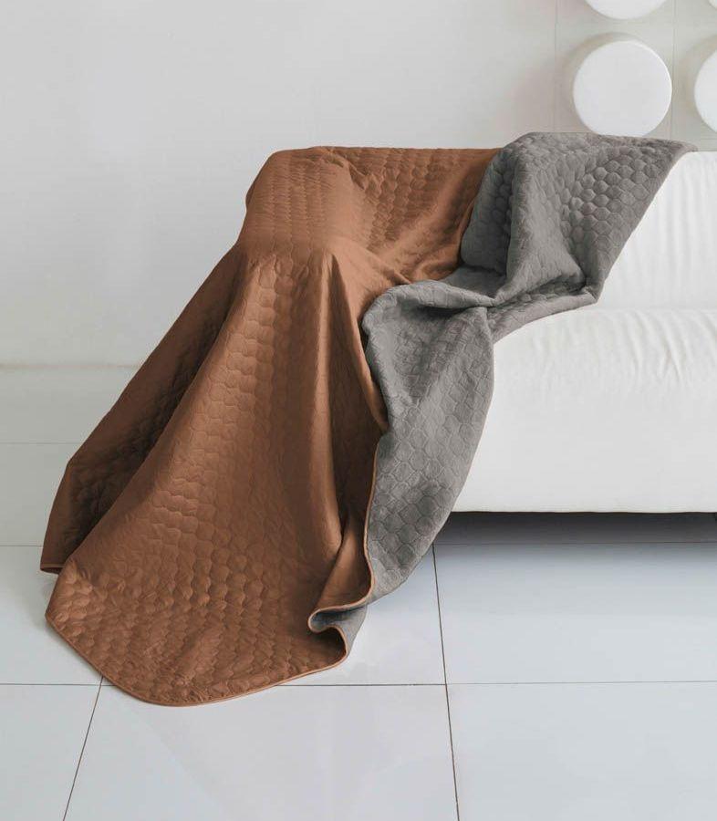 Комплект для спальни Sleep iX Multi Set, евро, цвет: коричневый, мышиный, 6 предметов. pva22161610503Комплект для спальни Sleep iX Multi Set состоит из покрывала, простыни, 2 наволочек и 2 подушек. Верх многофункционального одеяла-покрывала выполнен из мягкой микрофибры, которая хорошо сохраняет тепло, устойчива к стирке и износу, а низ выполнен изискусственного меха. Этот мех не требует специального ухода, он легко чистится и долгое время сохраняет мягкость и внешний вид. Наволочки, простыня и чехлы подушек выполнены из микрофибры. Комплект для спальни Sleep iX Multi Set - это прекрасный способ придать спальне уют и привнести в интерьер что-то новое.Размер одеяла-покрывала: 200 х 220 см.Размер простыни: 230 х 240 см.Размер наволочек: 50 х 70 см. (2 шт)Размер подушек: 50 х 68 см. (2 шт)Наполнитель: Силиконизированное волокно.