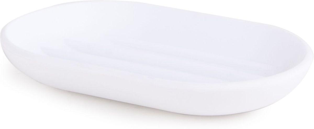 Мыльница Umbra Touch, цвет: белый, 2 х 7 х 9 см023272-660Функциональность мыльницы неоспорима - именно она защищает нашу раковину от мыльных подтеков и пятен. А как насчет дизайна? В Umbra уверены: такой простой и ежедневно используемый предмет должен выглядеть лаконично, но необычно. Ведь в небольшой ванной комнате не должно быть ничего вызывающе яркого. Немного экспериментировав с формой, дизайнеры создали мыльницу Touch, которая придется кстати в любом доме! Изготовлена из приятного на ощупь пластика, не скользит, а брать из нее мыло удобнее благодаря специальным желобкам на донышке.