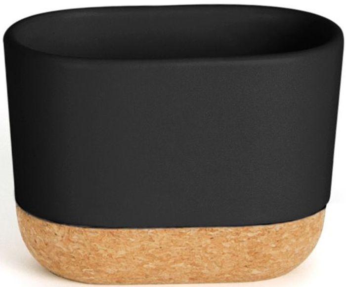 Стакан для зубных щеток Umbra Kera, цвет: черный, 8,9 х 7,6 х 12,2 см023861-040Элегантный аксессуар, выполненный в минималистичном скандинавском стиле. Подставка изготовлена из натуральных материалов: керамики и пробкового дерева .Благодаря широкому горлышку в емкость также помещаются тюбики с зубной пастой и электрические зубные щетки. Простые линии и естественные цвета делают подставку универсальной для любого типа ванной. Дизайн: Erika Kovesdi