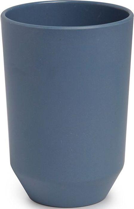 Стакан для ванной Umbra Fiboo, цвет: дымчато-синий, 10,5 х 8,1 х 8,1 см023871-755Стакан для воды запросто может служить и подставкой для зубных щёток. Изготовлен из комбинированного материала (меламин и бамбуковое волокно), который отличает экологичность, износостойкость и уникальный матовый эффект. Дизайн: Wesley Chau
