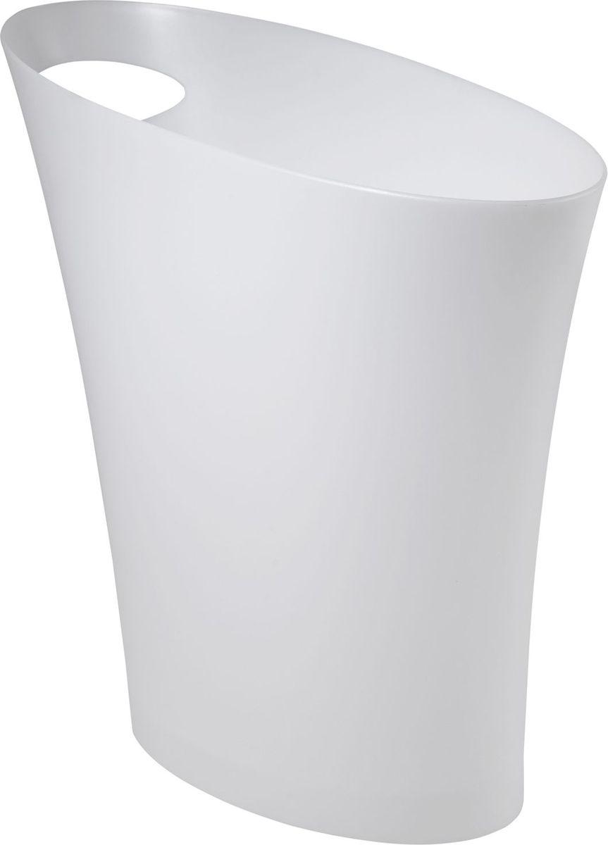 Контейнер мусорный Umbra Skinny, цвет: металлик, 34 х 33 х 17 см082610-661Очередное изобретение Карима Рашида, одного из самых известных промышленных дизайнеров. Оригинальный замысел и функциональный подход обеспечены! Привычные мусорные корзины в виде старых ведер из-под краски или ненужных коробок давно в прошлом. Каждый элемент в современном доме должен иметь определенный смысл, быть креативным и удобным. Вплоть до мусорного ведра. Несмотря на кажущийся миниатюрный размер, ведро вмещает до 7,5 литров, а ручка в виде отверстия на верхней части ведра удобна при переноске.